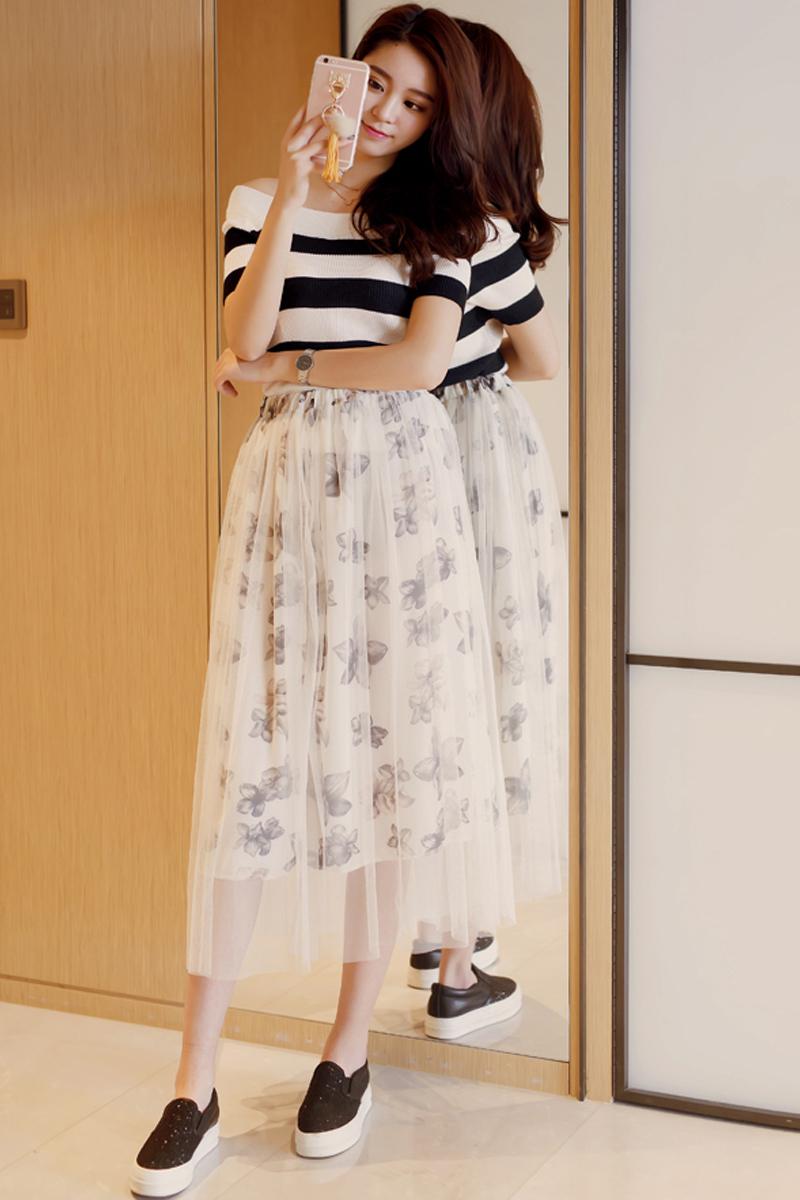 网纱裙搭配什么上衣_超级喜欢这一套,上衣是条纹的设计,很显瘦的哦,搭配网纱蓬蓬裙